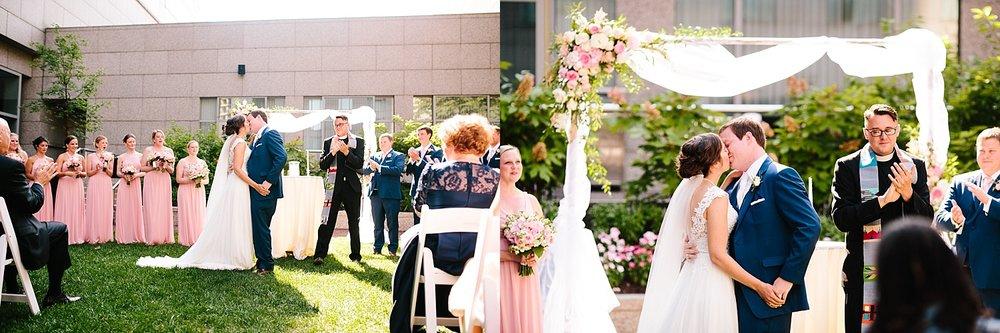 lisajoe_thelogan_philadelphia_artmuseum_wedding_image091.jpg