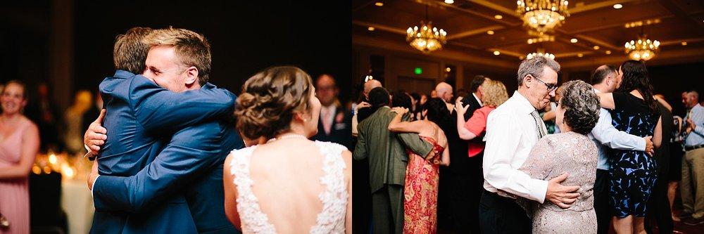 lisajoe_thelogan_philadelphia_artmuseum_wedding_image111.jpg