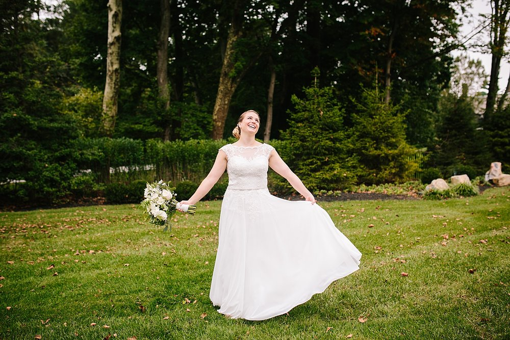 ashleykyle_backyard_wedding_havertown_image031.jpg