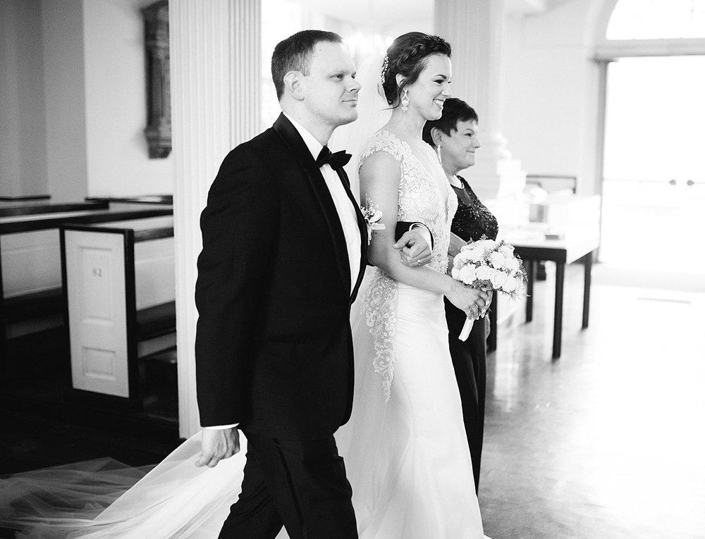 kirstentony_uniontrust_finleycatering_christchurch_philadelphia_wedding_image_0708.jpg
