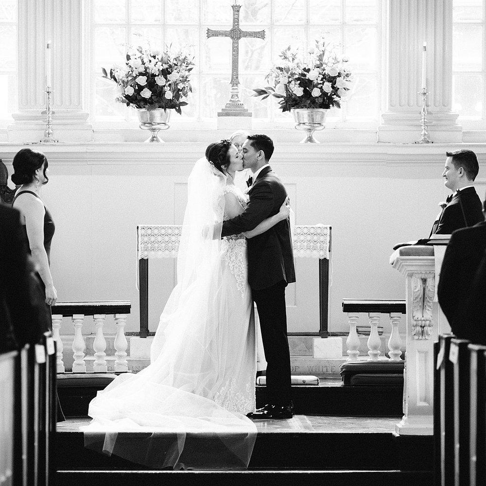 kirstentony_uniontrust_finleycatering_christchurch_philadelphia_wedding_image_0714.jpg