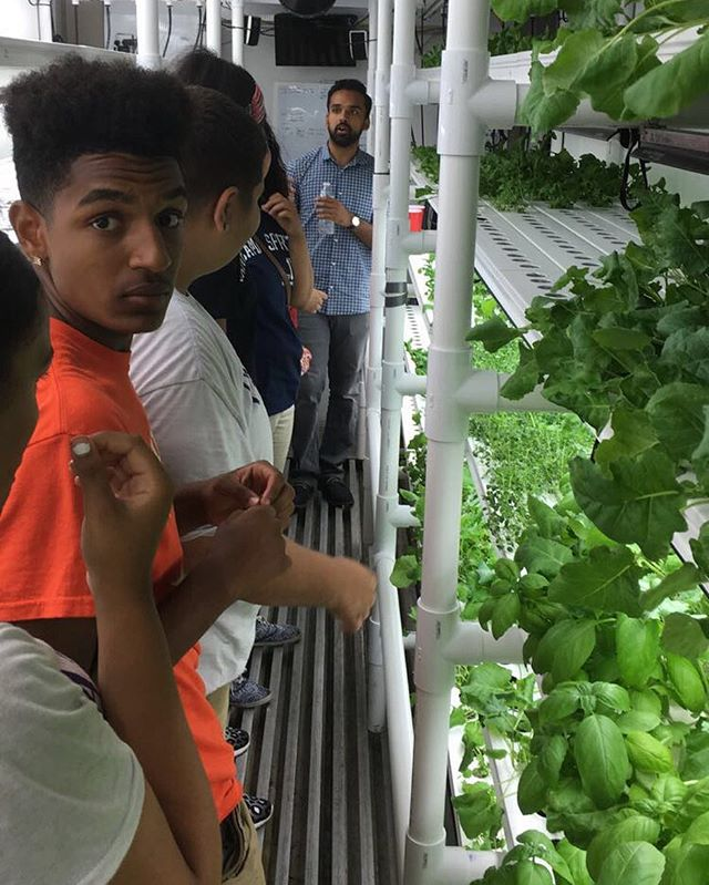 Teaching the kids of @urbanpromise_camden about our hydroponic farming system! Check us out tomorrow from 8:30 to 1 at the @haddonfieldfarm - we have samples! #hgf #hgfarms #hyperlocal
