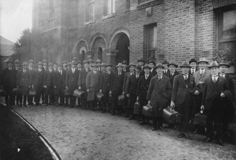 COB students depart college for their weekend ministries, 1925