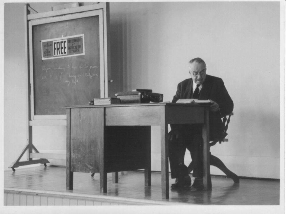 R. T. Pittman lecturing, c. 1960