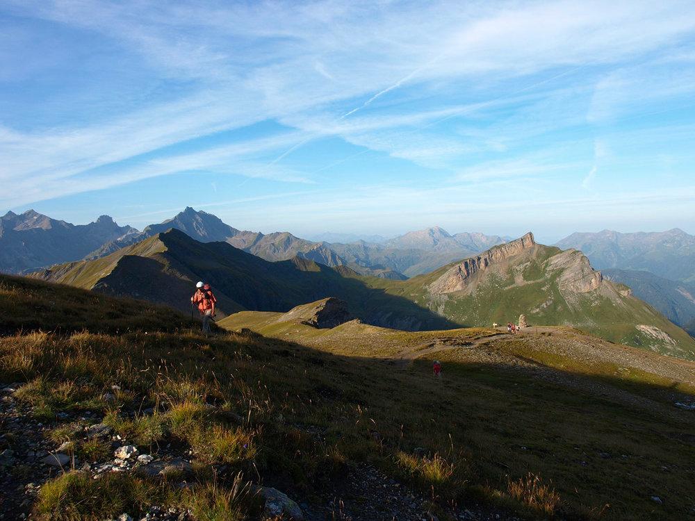 CH170981-dal-rifugio-Bonhomme-verso-il-Col-des-Fours-2665-m.jpg