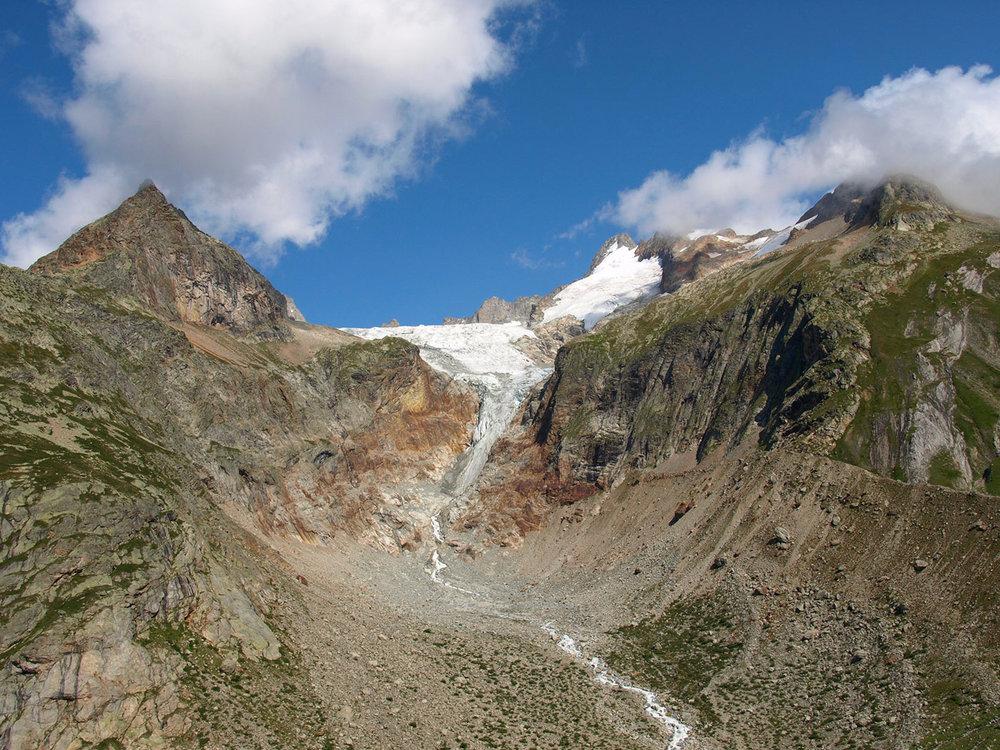 CH190474-Ghiacciao-Près-de-Bard---impressionante-il-ritiro-del-ghiaccio.jpg