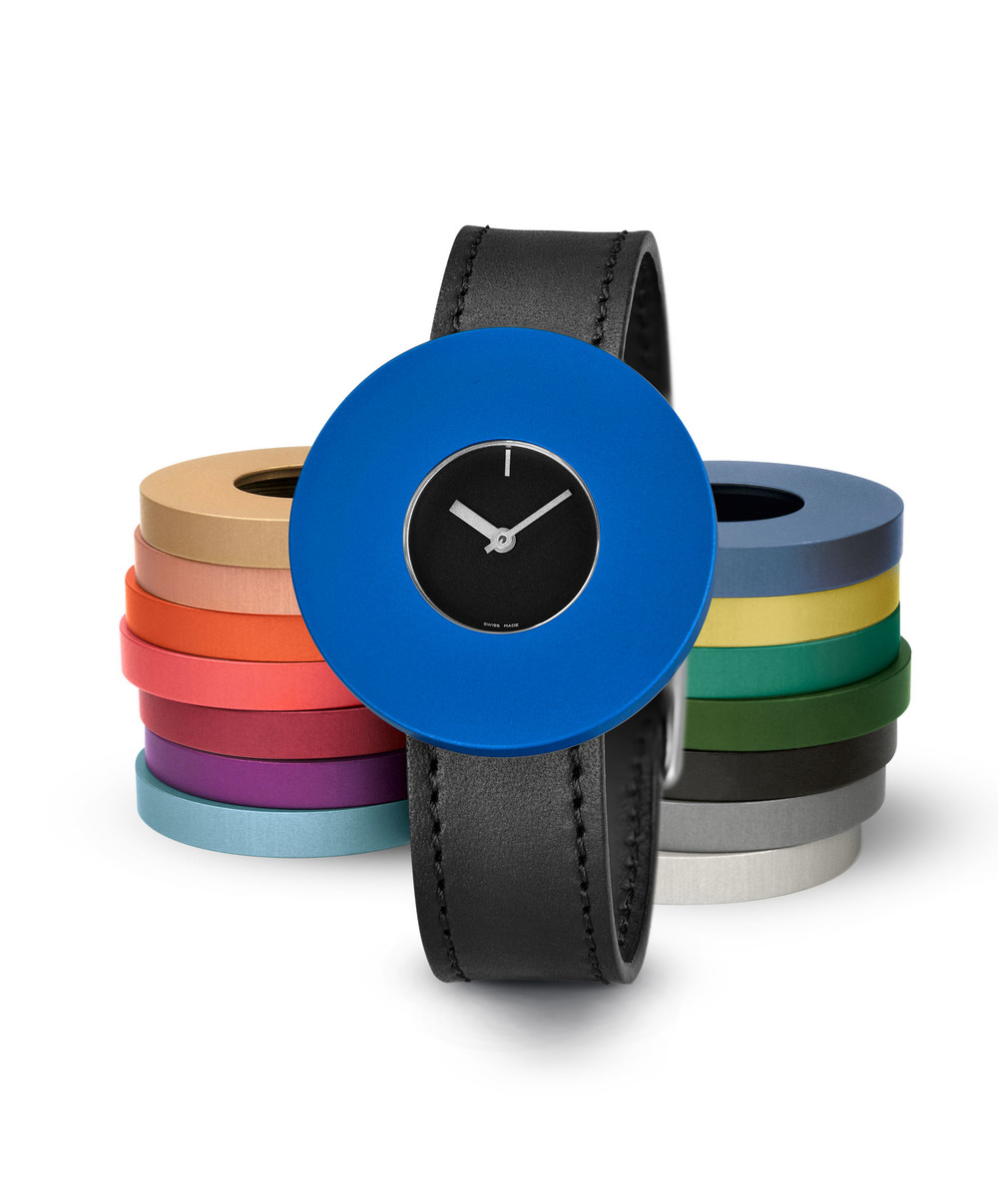 Junod-Vignelli MV Dot black_dial blue_ring leather_band-small.JPG