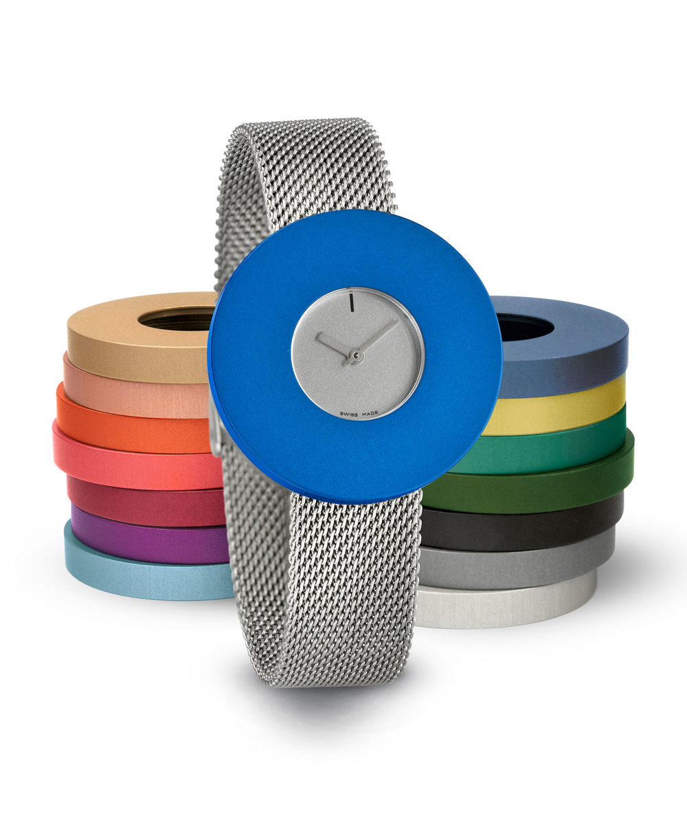 Junod-Vignelli MV Dot silver_dial blue_ring milanais_band-small.JPG