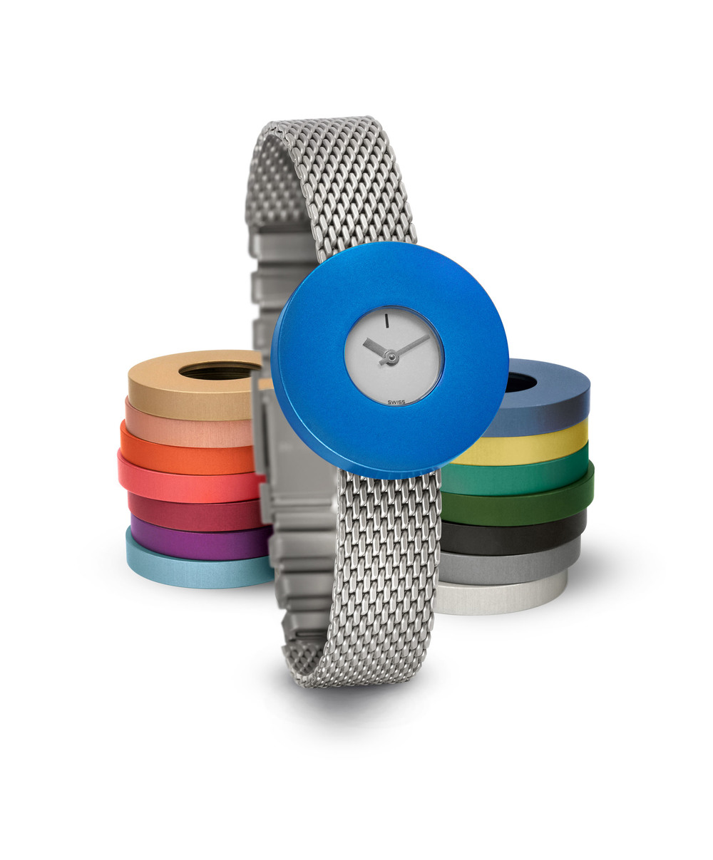 Junod-Vignelli MV Small silver_dial blue_ring milanais_band-small.JPG