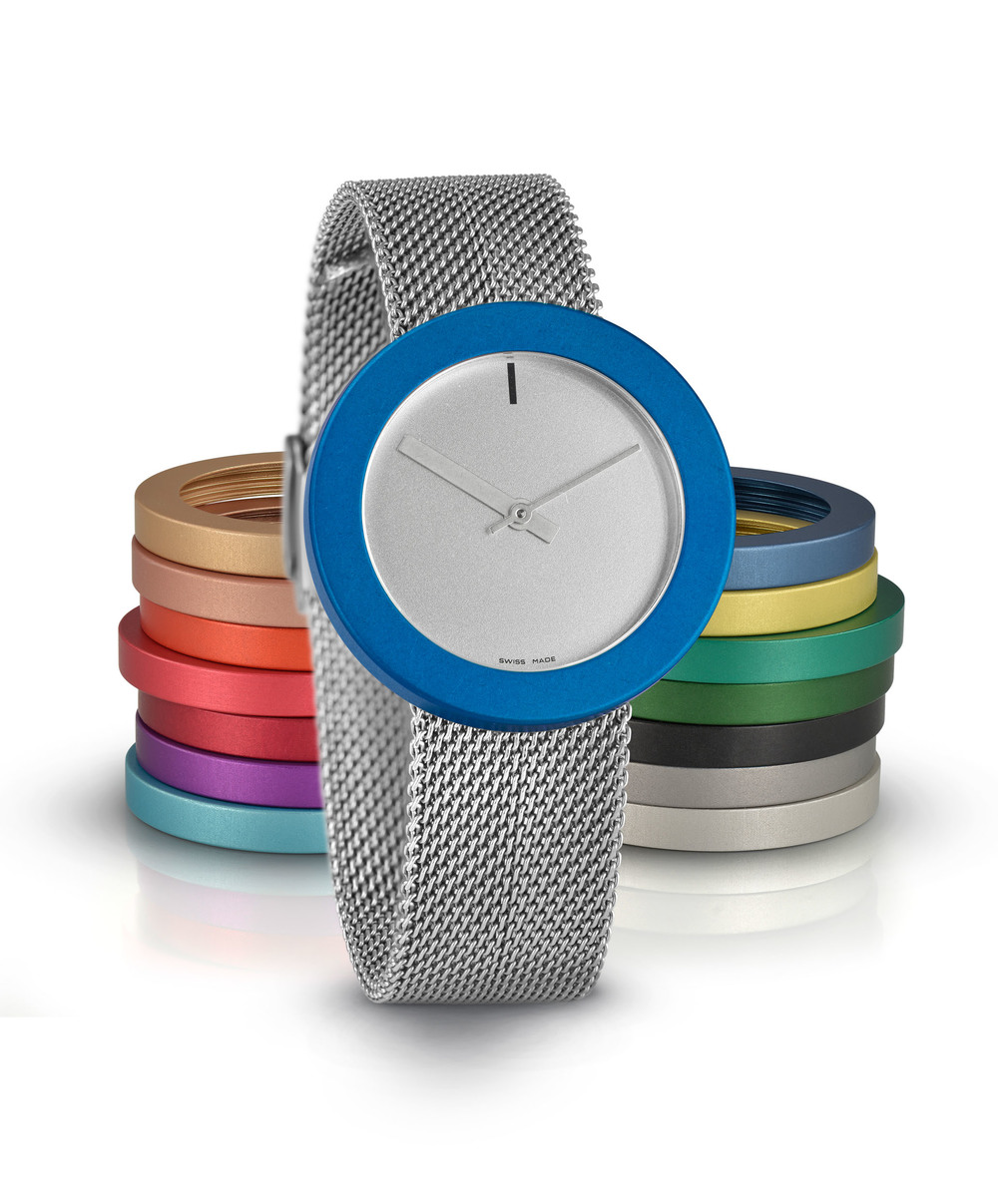 Junod-Vignelli MV34 silver_dial blue_ring milanais_band-small.JPG