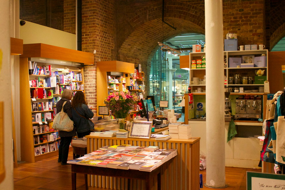 hatchards-book-shop-scentsandthecitylondon22.png