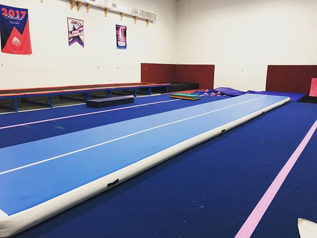 Check out our new AIR TRACK!! Who's excited to tumble on this?!? 💚🎀💙 #shoreprideallstars #shorepridestrong #ROaRSeasonFour #airtack #tumble #thankyouandyandchristy #lemonlimetime #smallgymstrong