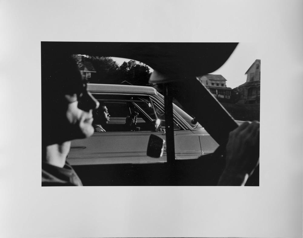 """1966, """"Autoroute New York, près d'Albany - New York State, near Albany"""", épreuve à la gélatine argentique."""