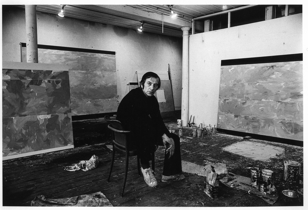 Charles Gagnon dans son studio de la rue St Paul, circa 1973
