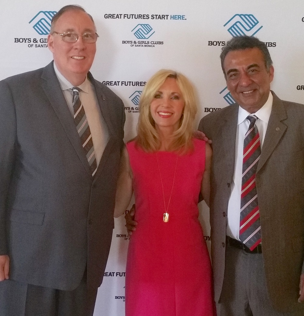 "Emcee Deb Carson of SMBGC's First Annual ""Great Futures Breakfast, with SMBGC CEO Tim Blaylock (left) and author/activist Azim Khamisa (right), the event's keynote speaker."