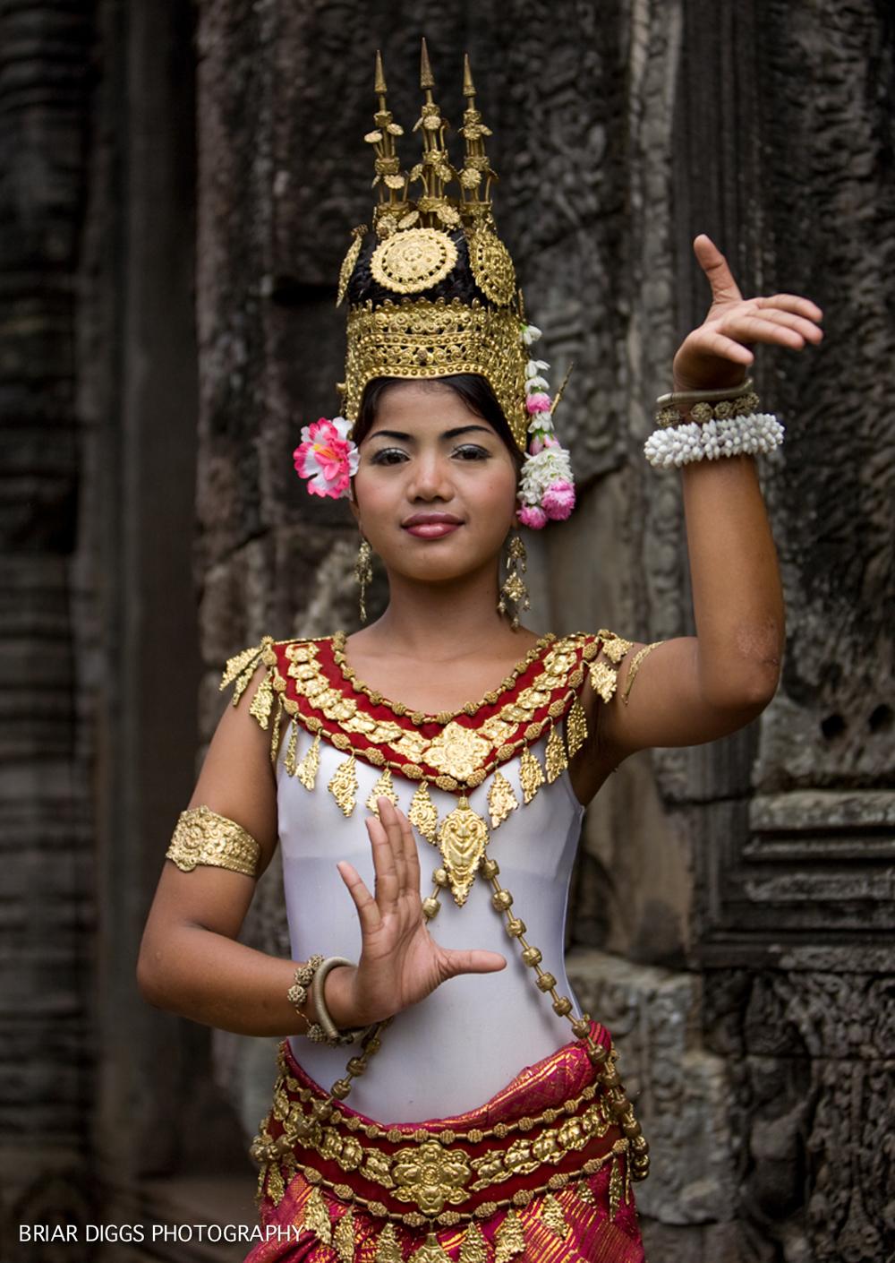 CAMBODIAN PORTRAITS-31.jpg