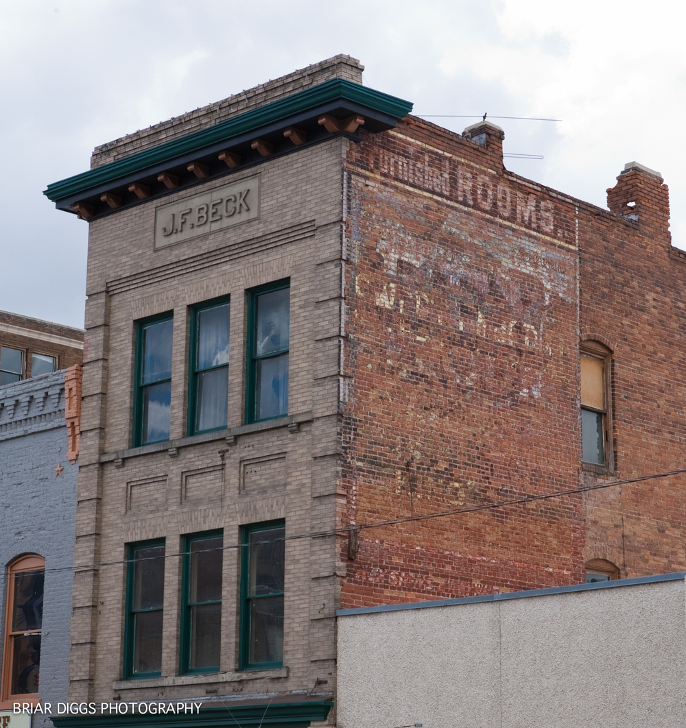 BUTTE'S HANDPAINTED SIGNS GHOSTS-24.jpg