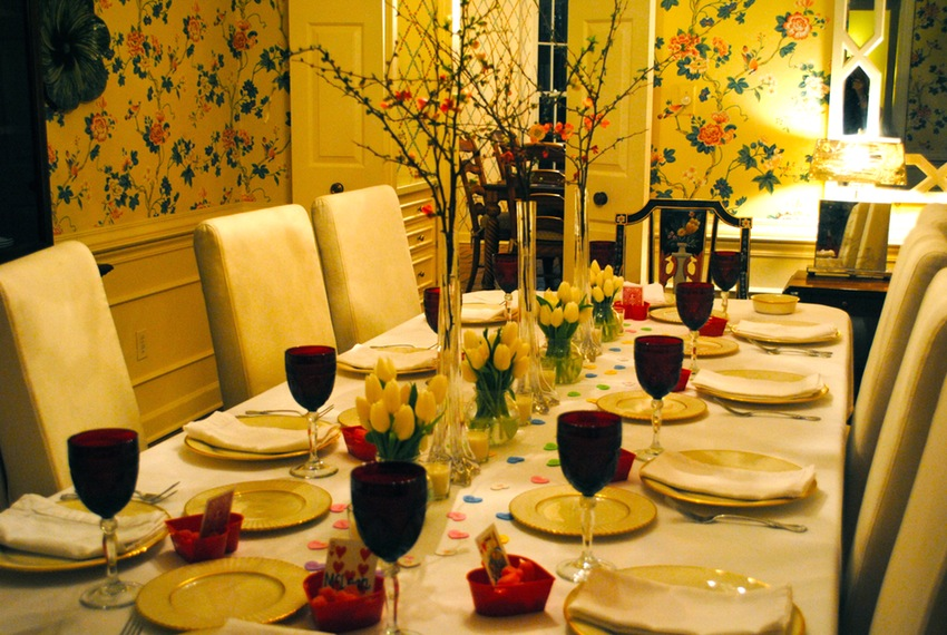 entertaining-drinks-table-settings-and-dinner-party-ideas-valentines-e2-flair-for-home-this-was-so-much-fun-to-set-here-comes-one_dinner-table-setting-ideas_house-interior_850x570.jpg