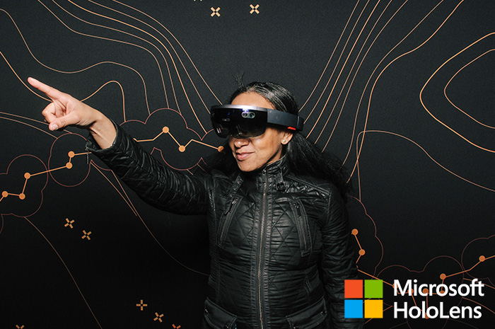 microsoft-hololens-smilebooth-build-conference-2016-1.jpg