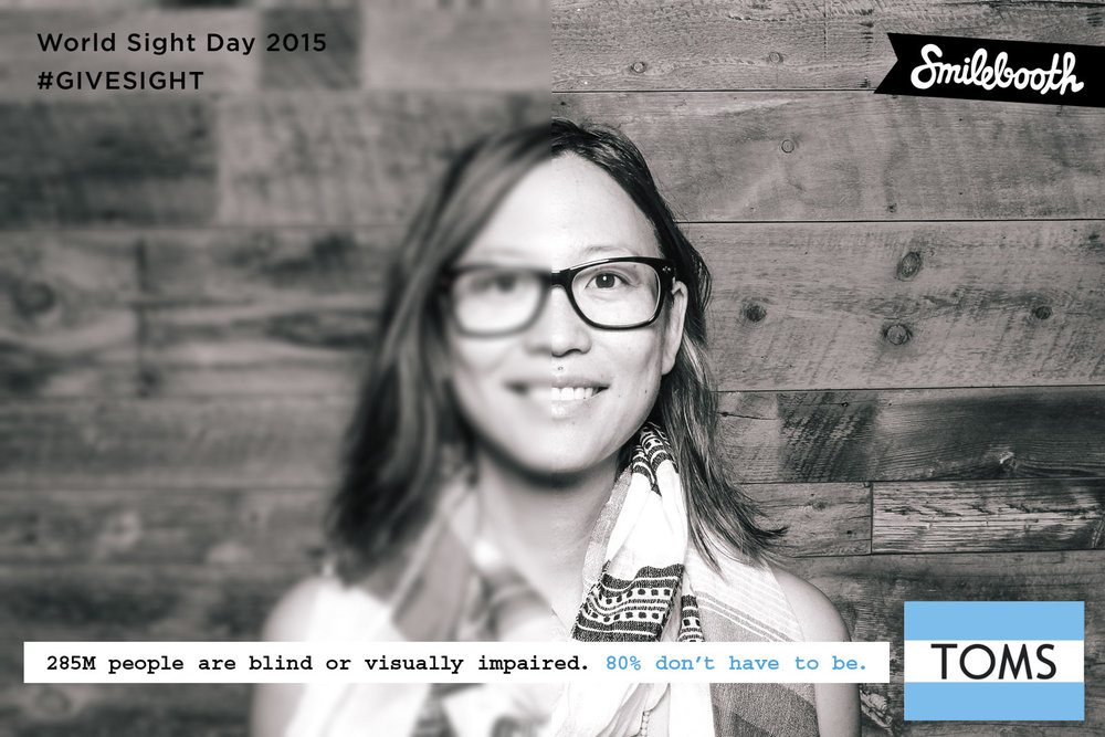 toms_worldsightday_bw_smilebooth_3.jpg