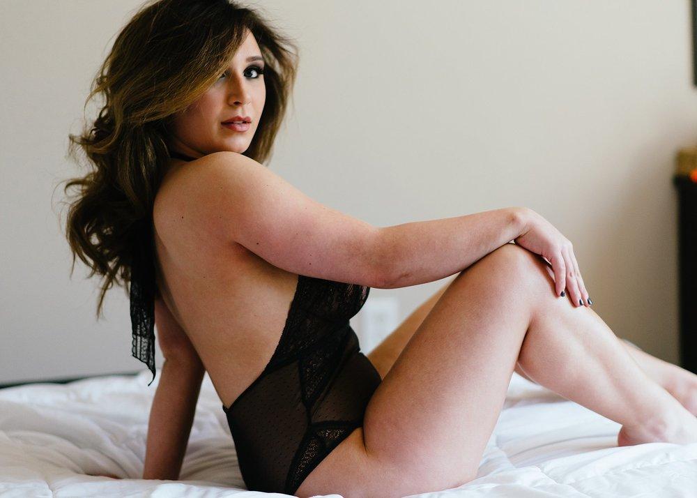 black lingerie boudoir photography.jpg
