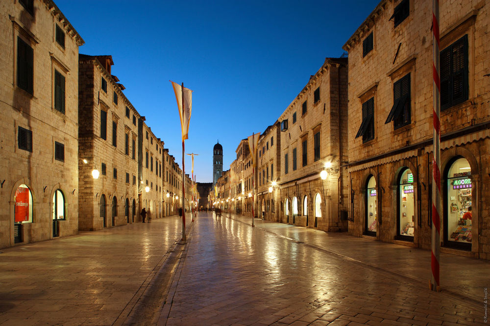 Dubrovnik_1197_Stradun.jpg
