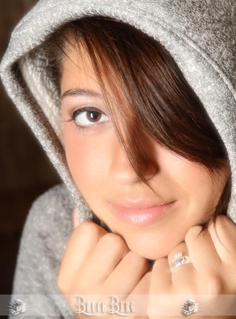hoodie in senior portraits oregon photographers