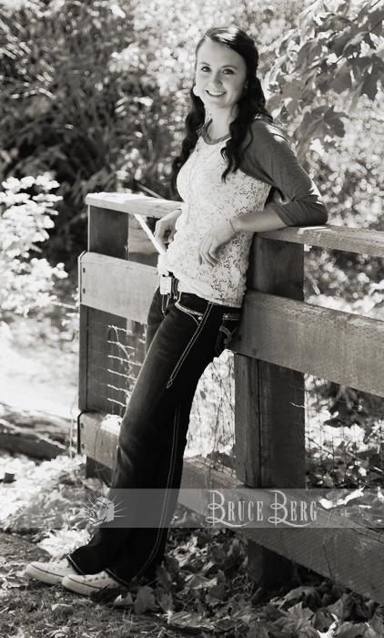black and white senior pics