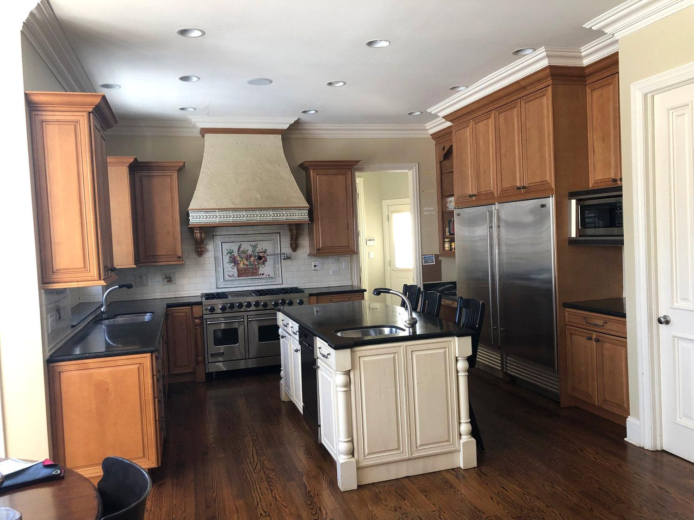 Gorg Complete Wood Brookhaven Kitchen Cabinets Granite Sub Zero