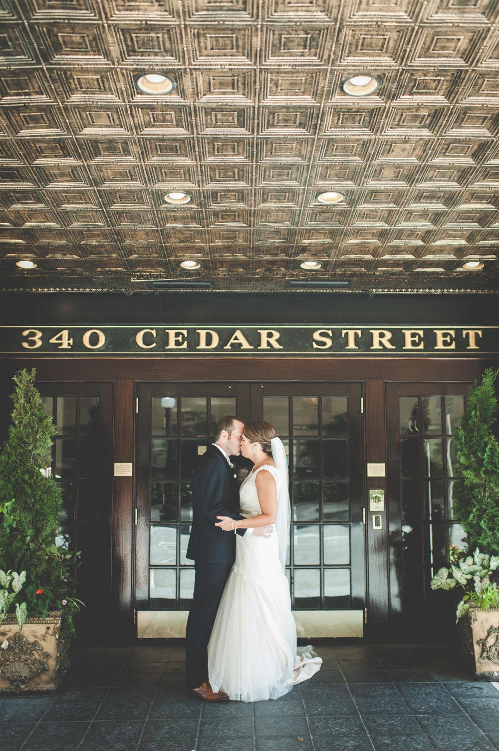 wedding Laura Ben-First Look Bride Groom-0101.jpg
