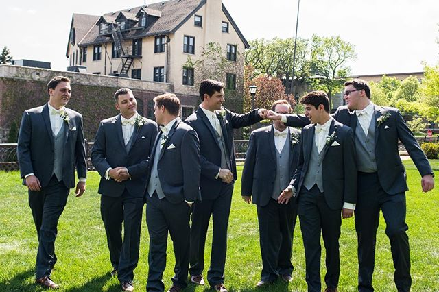 Grooms-menning it out across the street at Lookout Park 😎 . . . 📸: @angeladivinephoto