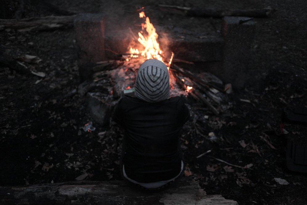 Lucy at the bonfire. ©David Cea/dac photos