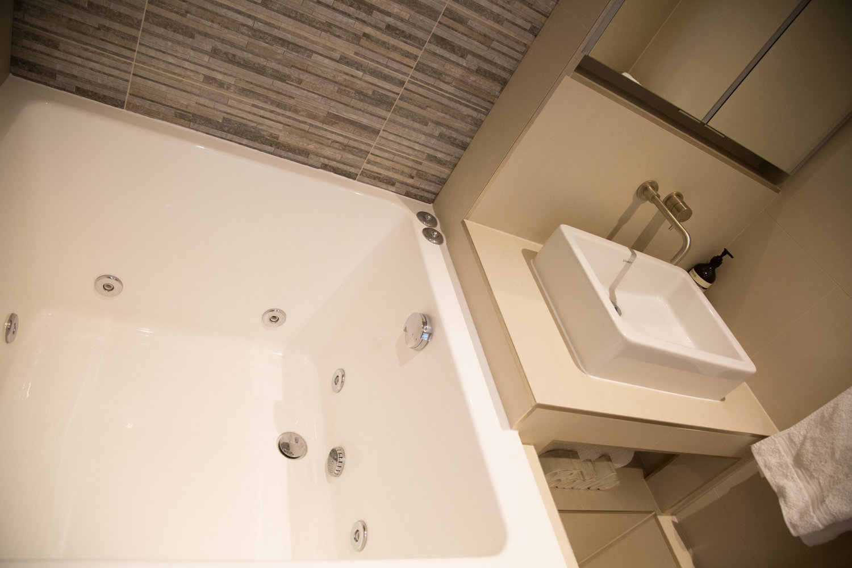 Buy The Original Japanese Style Small Bath from Omnitub Ltd