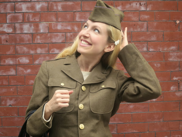 military uniform, fashion blogger, vintage army coat, gold buttons, army green