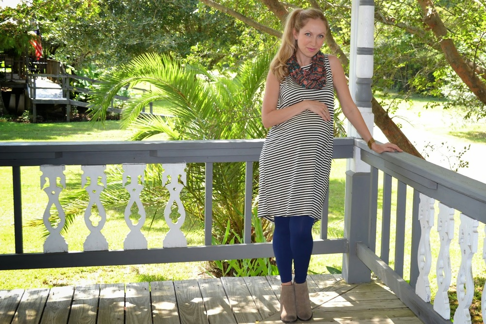 JuJu's Boutique_ Stripe dress_ Maternity style_ Style the Bump_ Fall Fashion_ Je Ne Sais Quoi