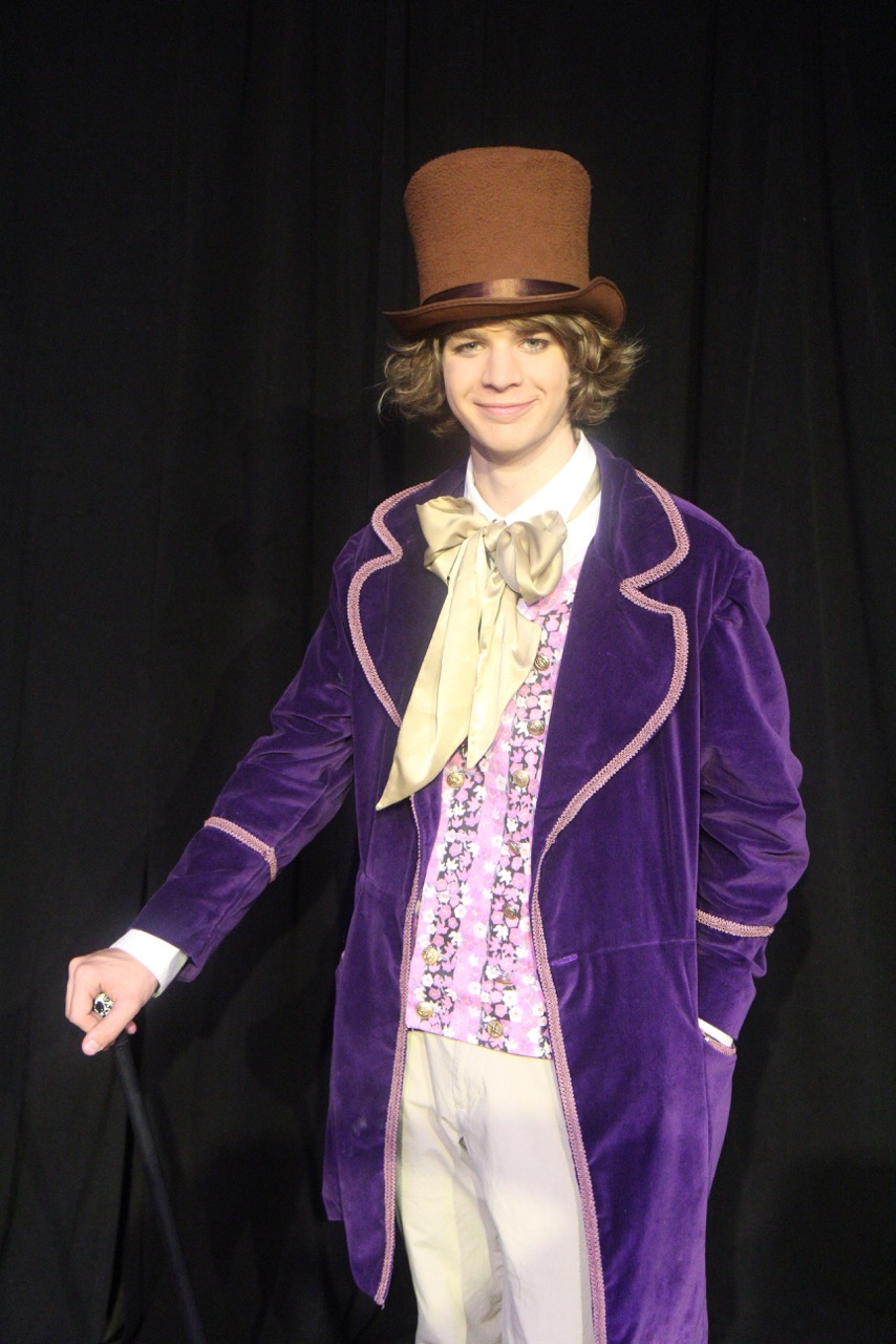 Willy Wonka (Asher Pope)