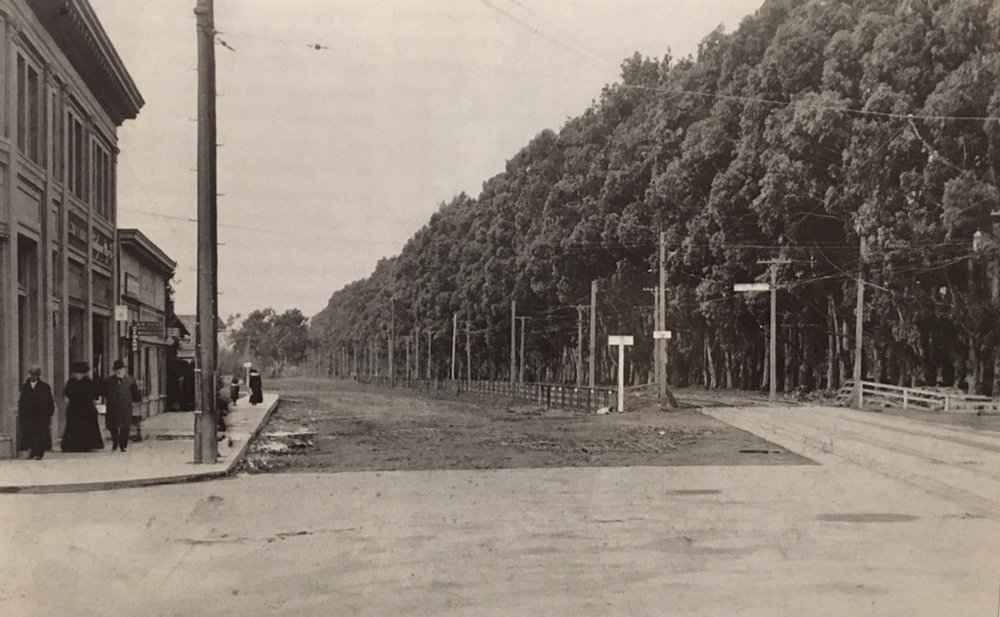 Photo credit: Burlingame Historical Society  Photo onlooking California drive from the end of Burlingame Avenue circa 1911. The building on the left side is today's Straits Café.