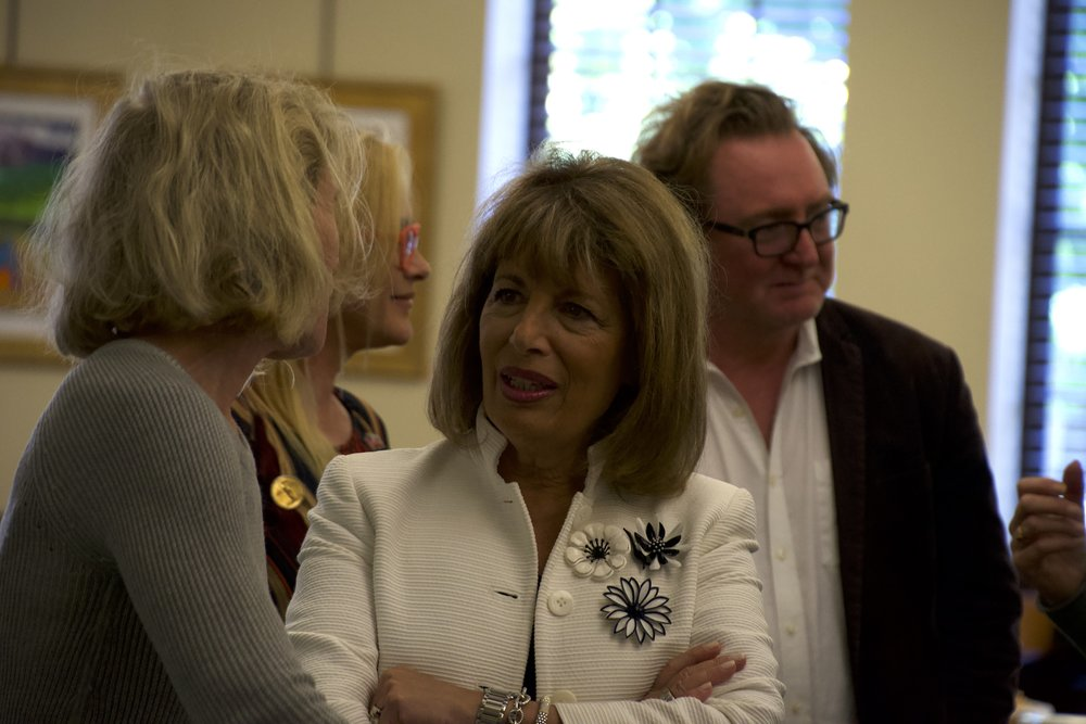 Rep. Speier spoke with constituents and took pictures.