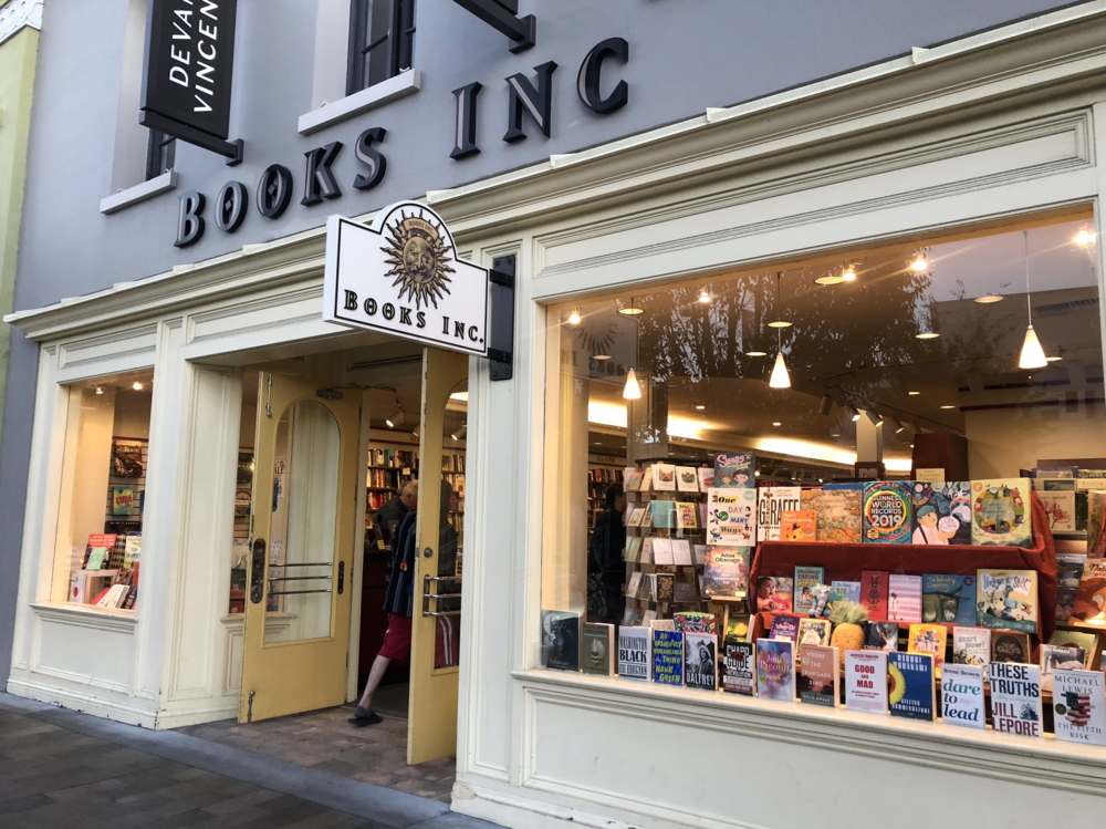 Books Inc. will be closing its 18-year-old Burlingame Avenue location after New Year's.