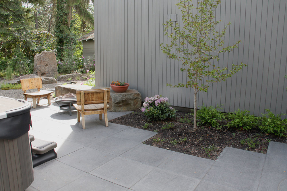contemporary square paver patio