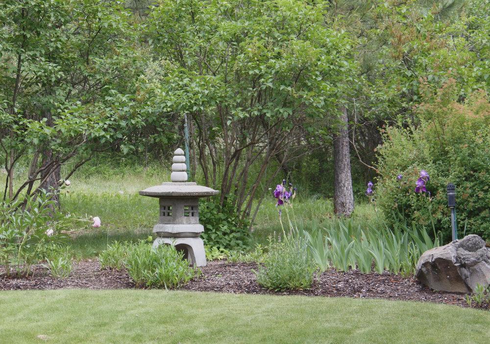 concrete-garden-pagoda.JPG