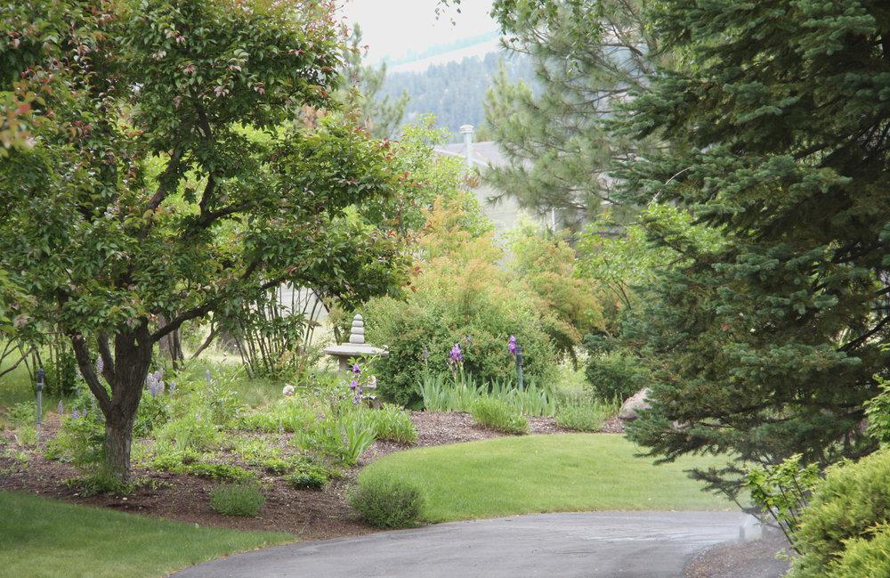 pagoda sculpture spokane garden