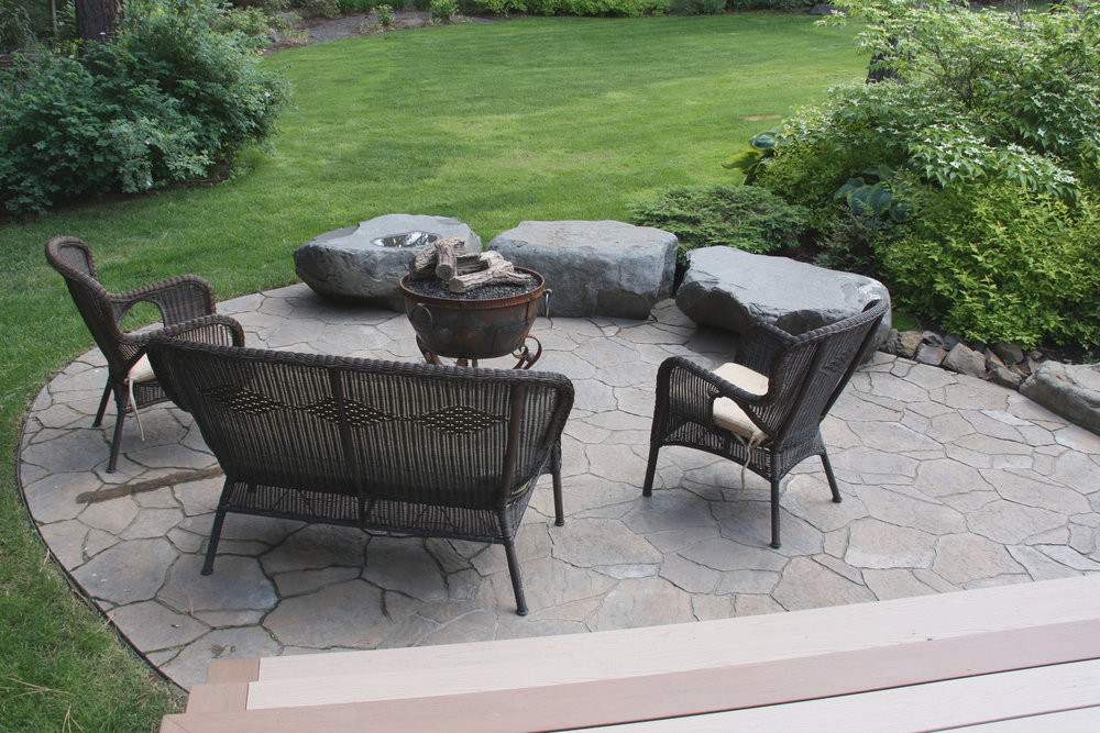 Modern concrete pavers come in a variety of styles, like this flagstone look.