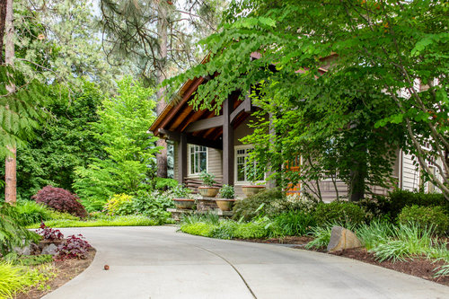 spokane craftsman porch and landscaping with circle driveway