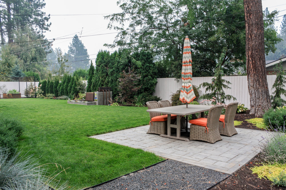 paver patio in spokane back yard landscape