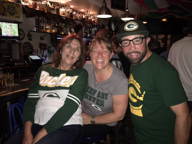 Packer fans out in full force at WOS Bar