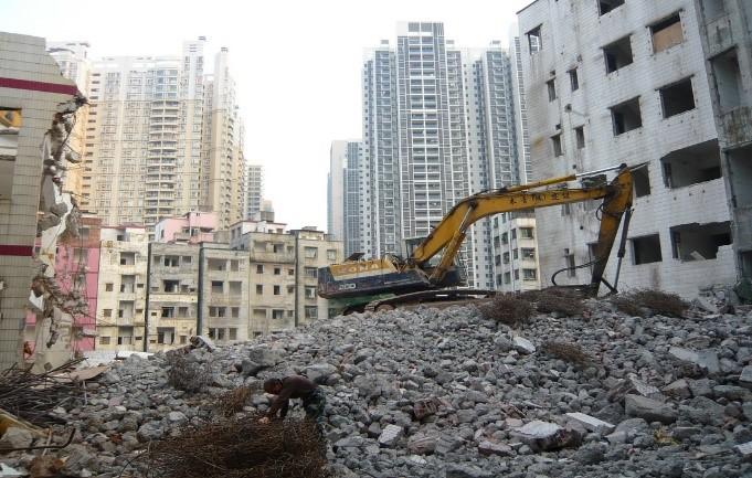 Displacement in Guangzhou, China, 2011. Photographed by Hyun Bang Shin.