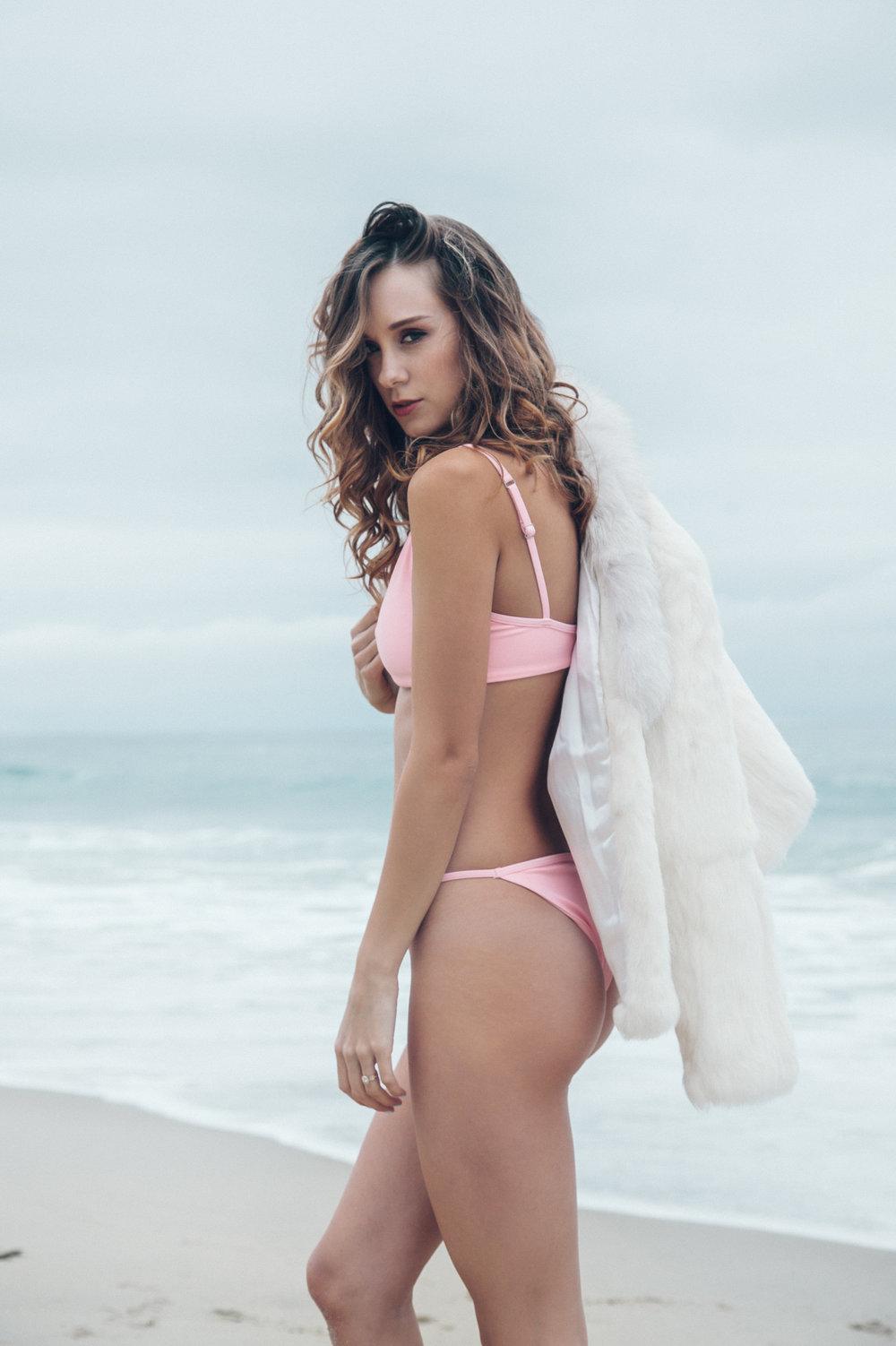Fucking Big Tit Milfs Bikini