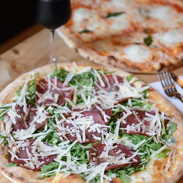 Pizza Carolina, bresaola, rucola, mozzarella & parmigiano  #woodfiredpizza #bestpizza #awardwinningpizza #worldranked