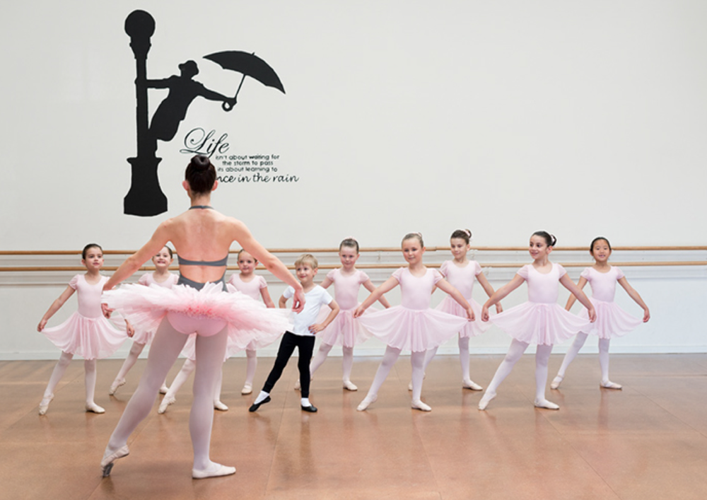 Classical ballet Cecchetti Dance classes Melbourne Mathis Dance Studios Sammie Barker